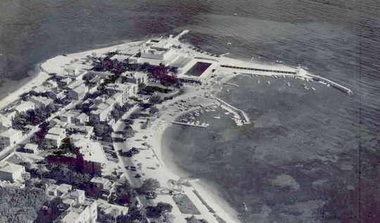 Palm_beach_ancien_avion_2