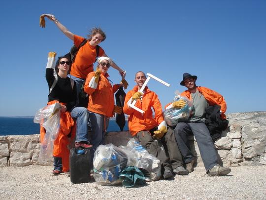 frioulade 2008 : volontaires d'unis cité