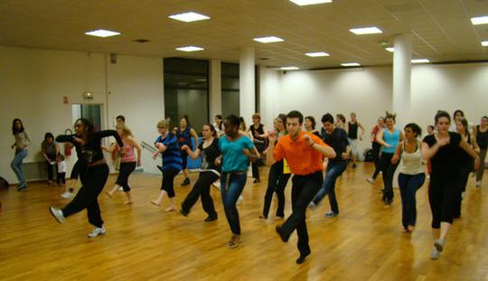 Cours-de-danse_semaine-da-lusofonia-avril-2012