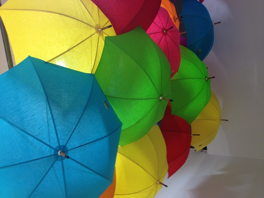 Plafond_boutique_parapluies