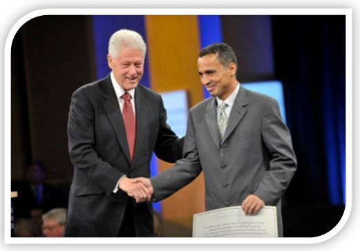 Clinton_award