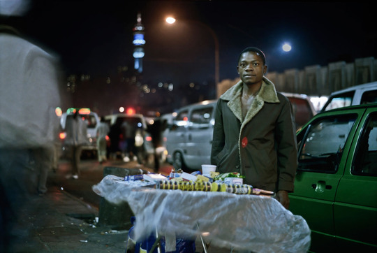 Med_001_thandile-zwelibanzi_market-photo-workshop_from-the-series-still-existence_2010-11-09-jpg