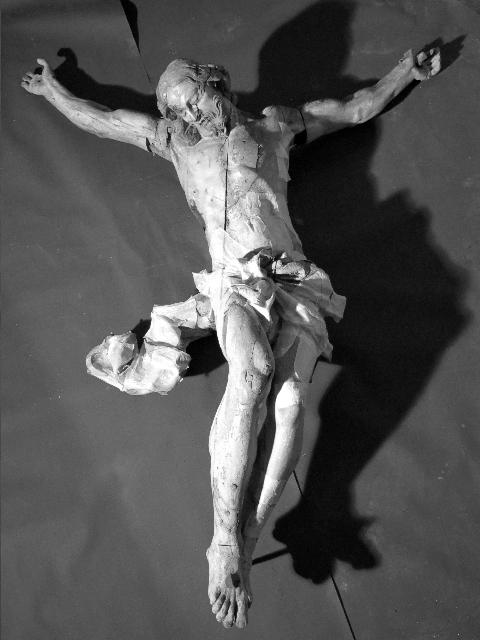 Christ_en_croix_vue_g_n_rale