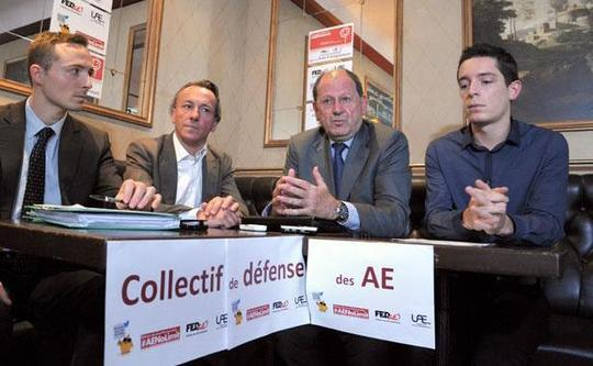 Collectif-defense-autoentrepreneurs-lors-conference-presse-5-juin-2013-1337463-616x380