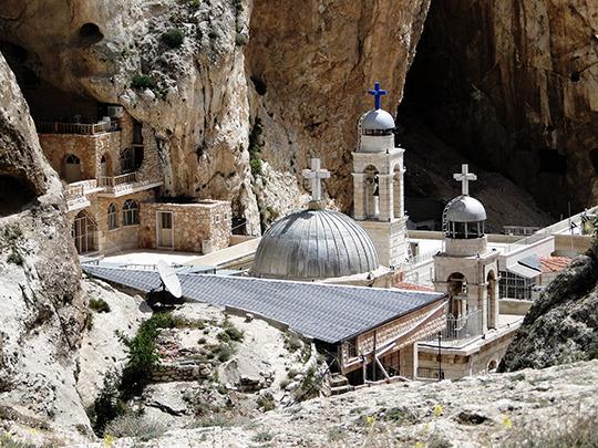 Mar_takla_monastery_01