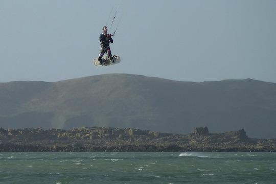 Saut_de_kite_surfeur_devant_tome__