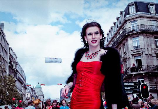 Gay_pride_femme_rouge_new
