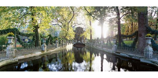 Fontaine-medicis-jardin-luxembourg