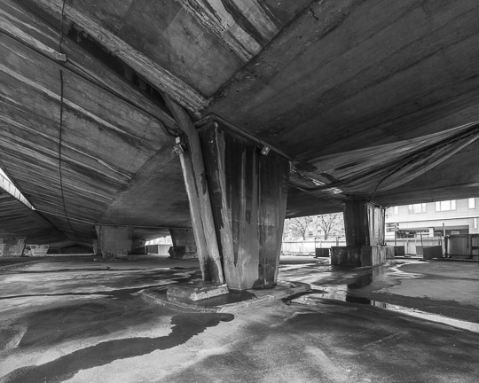 Lm_20121123_160350_fr_paris_peripherique_beton_