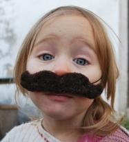 Et_je_fais_des_moustaches_aussi...