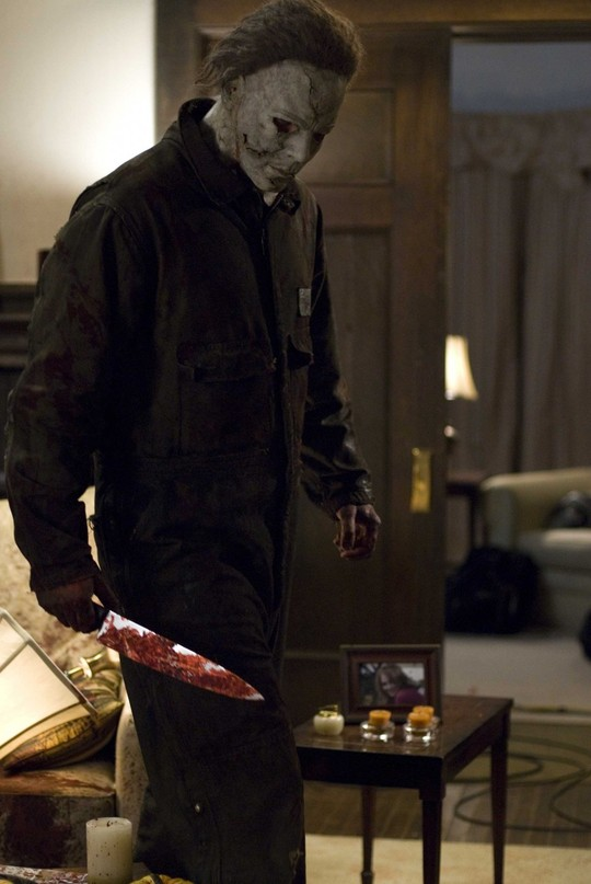 Tyler-mane-is-michael-myers-in-rob-zombies-halloween.-photo-by-marsha-blackburn-lamarcadimension-films-2007-1-960x1434