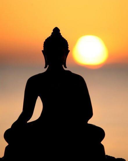 Bouddha-couche-de-soleil