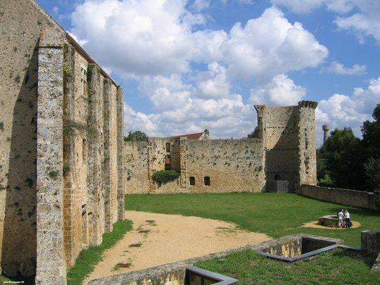 Chateau_de_la_madeleine_03