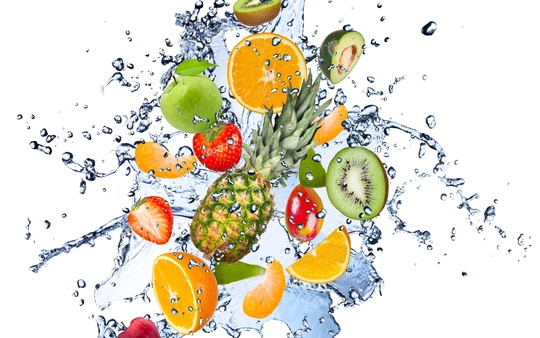 511377_fruits_fresh_water_drops_spray_avocado_apple_lemon_2560x1600__www.gdefon.ru_