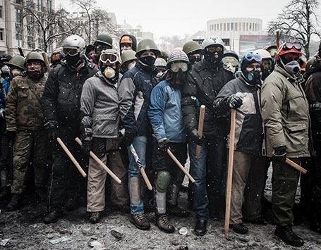 Ukraine-le-photographe-guillaume-herbaut-au-coeur-des-affrontements_m138725