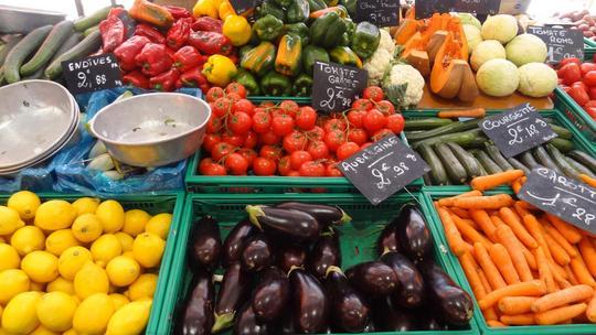 Marche-provencal-gambetta-cannes-1374213902