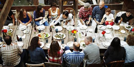 O-dinner-party-facebook