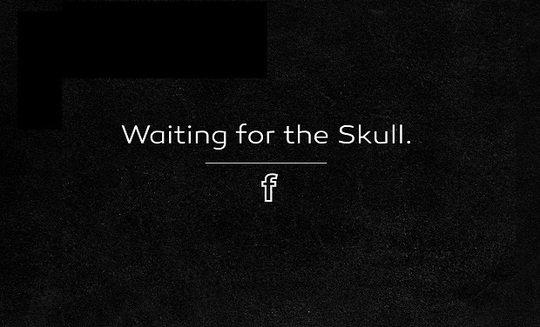 Fond_waiting_for_the_skull_-_kiss